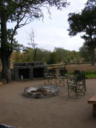 Shindzela Tented Camp: Fire area