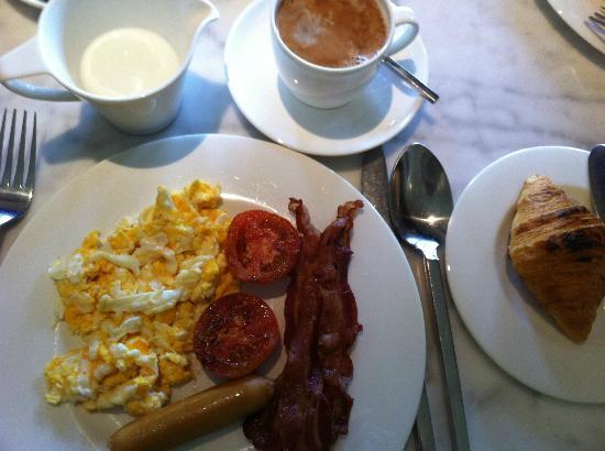 Tenface Bangkok: Breakfast at Wanara Eatery - Tenface