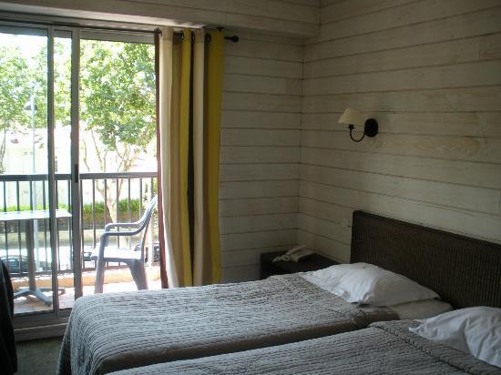 Hotel de la Plage : chambre avec balcon