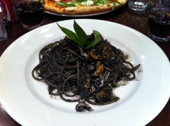 Pizza Metro Pizza: yummy squid spaghetti!