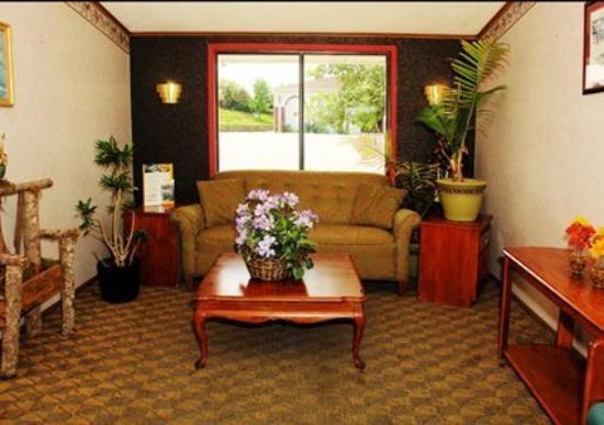 Shayona Inn Extended Stay: Lobby