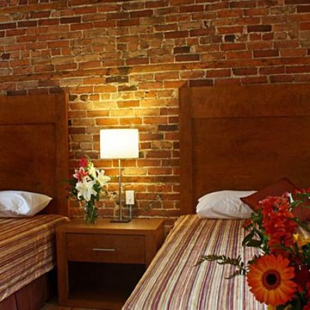 Hotel Quartier des Spectacles: Superior room - 2 queens