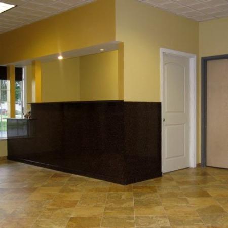 Budget Inn Toledo-Maumee: Front Desk