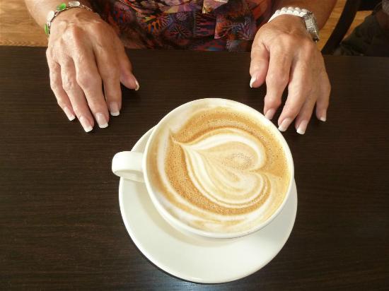Samuel's Coffeehouse: Latte Art