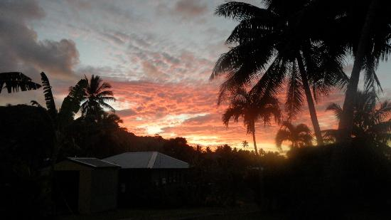 Ariana Bungalows: Beautiful Sunset