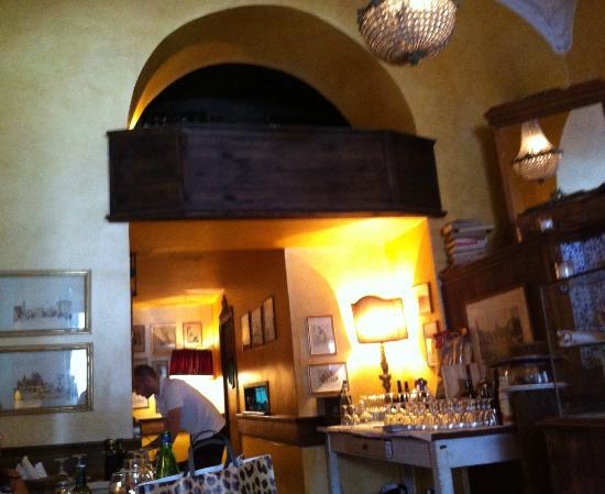 La Casa di Ninetta: Saletta superiore