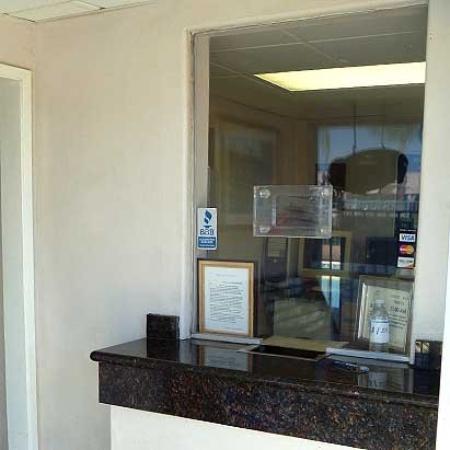 Motel 7 : Lobby (OpenTravel Alliance - Lobby view)