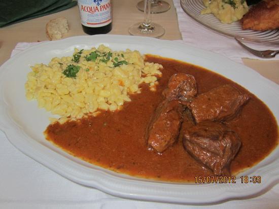 Wirtshaus zum Rehkitz: Gulasch avec des Spätzles au beurre