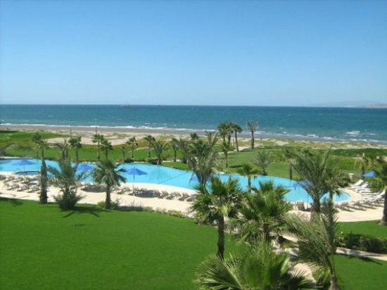 Paraiso Del Mar: Ocean and Pool View