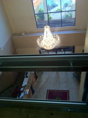 Comfort Suites: glass elevator view of lobby
