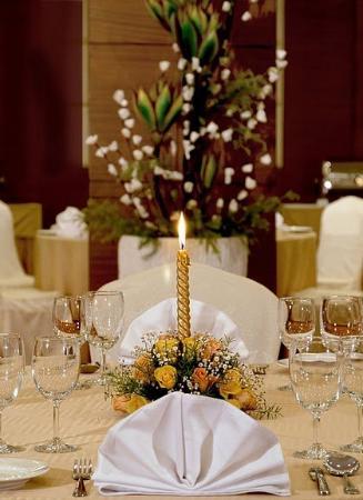 Tulip Inn Gurgaon : Restaurant