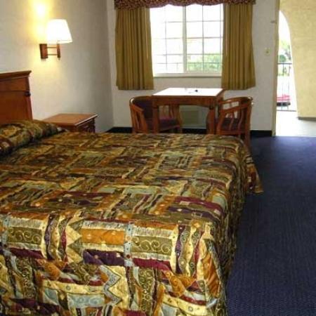 Flamingo Inn Rosemead: Guest Room (OpenTravel Alliance - Guest room)