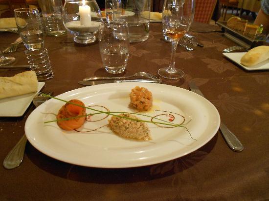 Logis Aux Maisons : Salmon as a starter