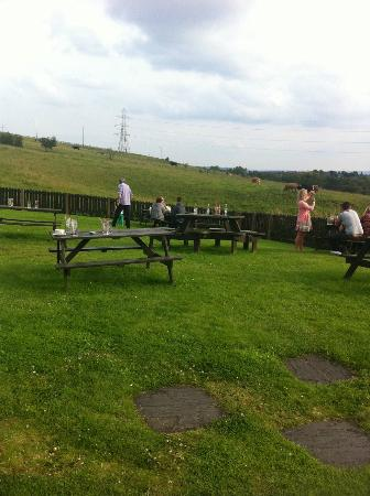 The Hartshead Inn: lovely views.. spolit by bad attitudes