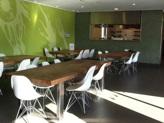 Bounce Sydney: Dining room