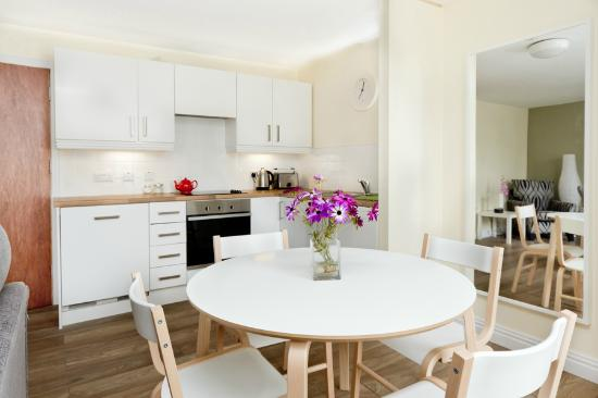 Walled City Apartments : Kitchen/Dining