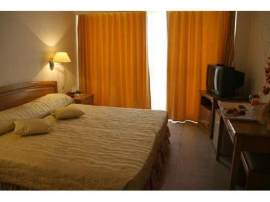 Safir Hotel Mazafran: Room