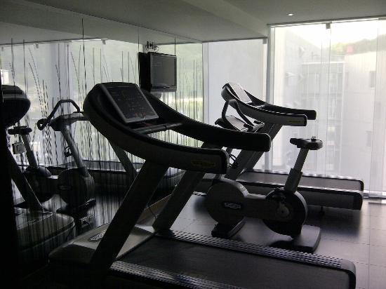 Novotel Lyon Confluence : Petite salle de fitness