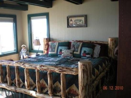 The Alaska Beach House: Guest Room