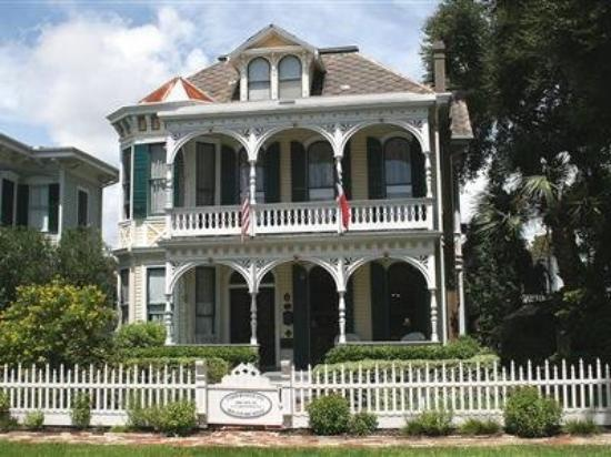 Coppersmith Inn Bed & Breakfast: Other Hotel Services/Amenities