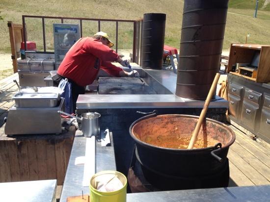 Cucina all 39 aperto foto di rifugio costaccia livigno for Cucine all aperto