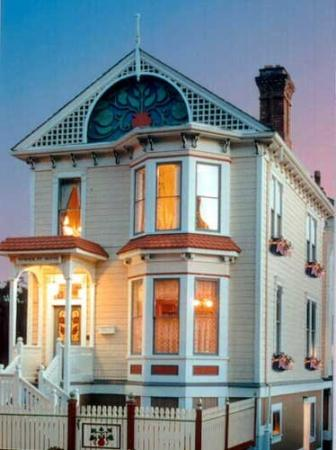 Humboldt House Bed & Breakfast Inn : Other Hotel Services/Amenities