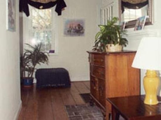 Moffett House: Guest room