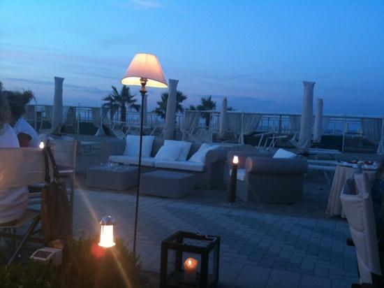 Residence Lungomare: splendida cena in spiaggia