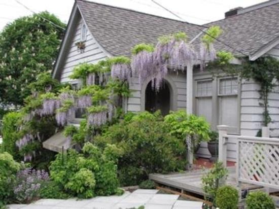 Photo of Lake Union Cottage Seattle