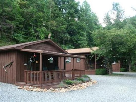 Sunset Farm Cabins: Other Hotel Services/Amenities