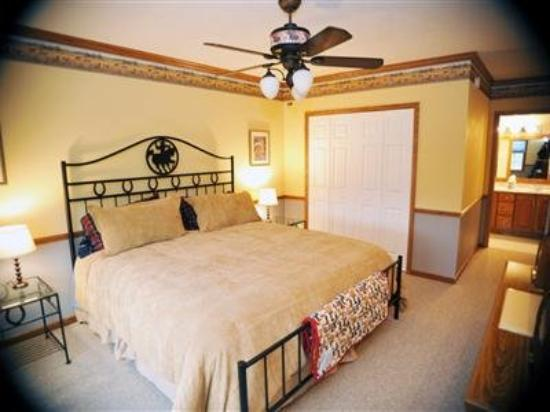The Paddock Inn Bed & Breakfast: Other Hotel Services/Amenities
