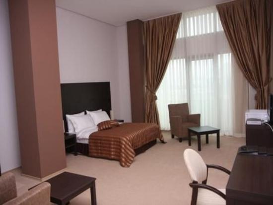 Royal Park Baku Hotel