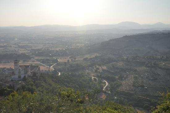 Panorama della valle dalla Rocca Maggiore