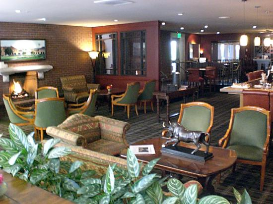 Stanford Park Hotel: Bar area