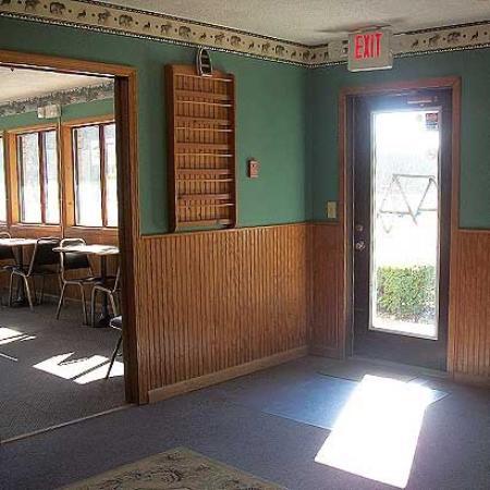 Mohican Little Brown Inn: Lobby (OpenTravel Alliance - Lobby view)