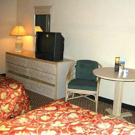 Relax Inn Lakeland: Guest Room (OpenTravel Alliance - Guest room)