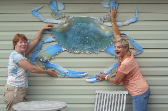 Kevin's Corner Kafe: Look at the Size of this Crab!