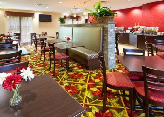 Comfort Inn & Suites Tunkhannock: Breakfast Area