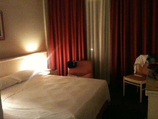 Hotel Des Bains Terme: DZ zur EZ Benutzung m französischem Bett