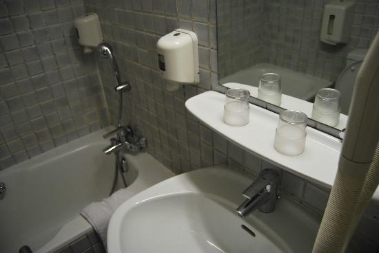 Hotel Flor Rivoli: La salle de bain