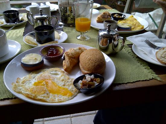 Traditional Homes - SWOTHA: Cafe Swotha Breakfast