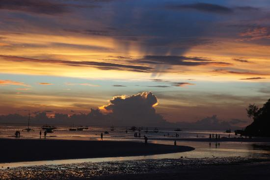 White Beach: sunset5