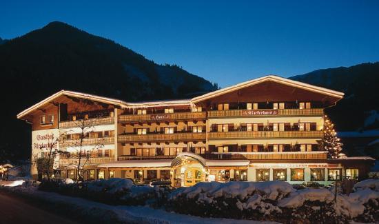 NationalPark Hotel Klockerhaus: Hausfoto Winter