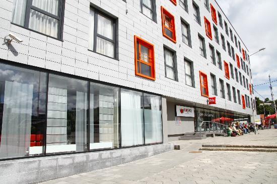 Ibis Kaunas Centre: Building