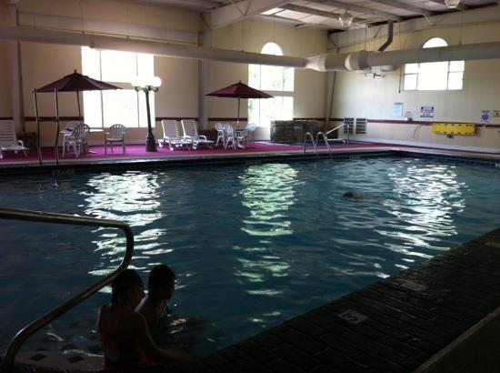 Quality Inn : wonderfully big pool!