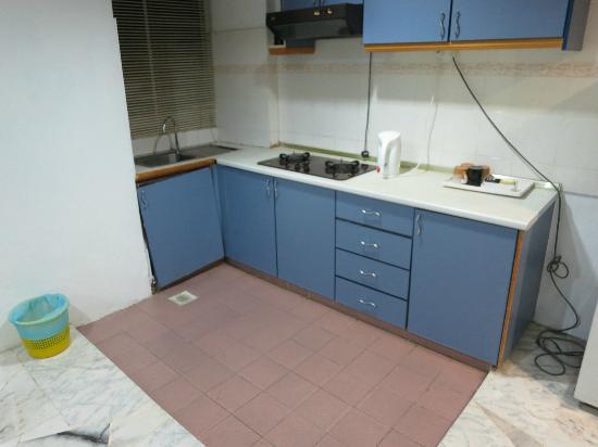Broken Kitchen Cabinet With Dirty Countertops Picture Of Sanctuary Resort Kuantan Tripadvisor