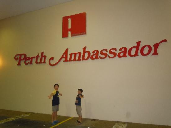 بيرث أمباسادور هوتل: Hotel 