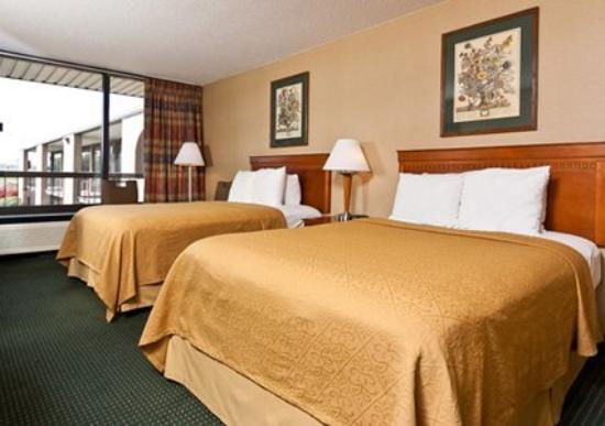 Quality Inn: Guest Room (OpenTravel Alliance - Guest room)