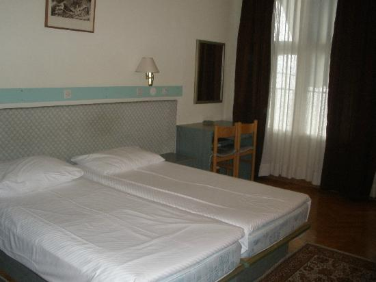 Smart Selection Hotel Belvedere: кроваать