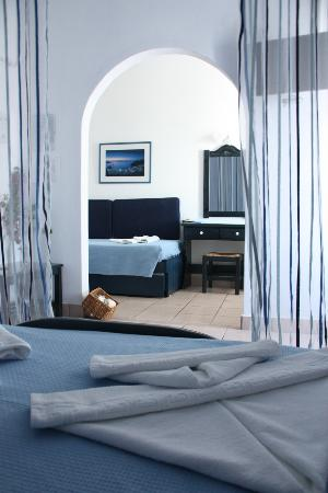 Dilion Hotel: Family room